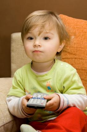 Televisione e bambini: due ore al giorno bastano