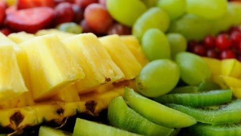 Per non ingrassare cominciate il pranzo dalla frutta