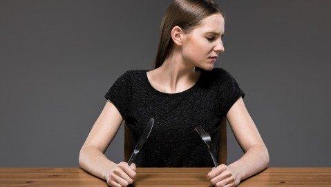 Anoressia e bulimia: sintomi e segnali da saper riconoscere