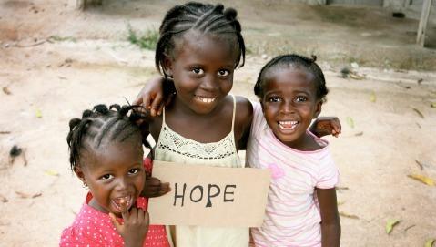 Ebola: l'emergenza è senza confini