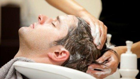 Come fare lo shampoo per salvare i capelli?