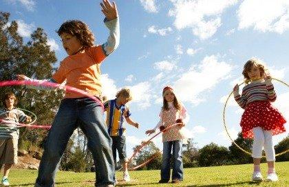 Le attività all'aria aperta riducono la miopia