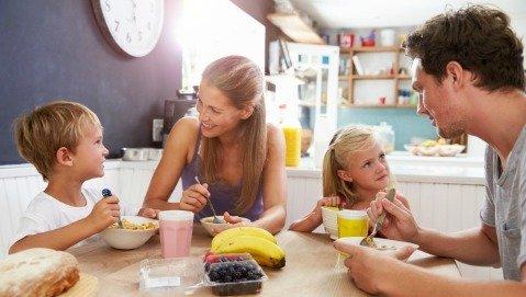 Una buona colazione dà voti migliori a scuola?