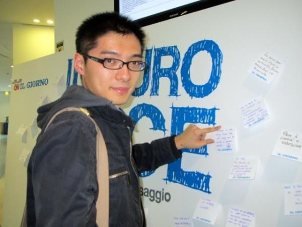 Muro della pace: i post-it degli studenti