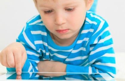 Bambini e tablet: quando è troppo?