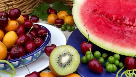 Le regole per mangiare bene in estate