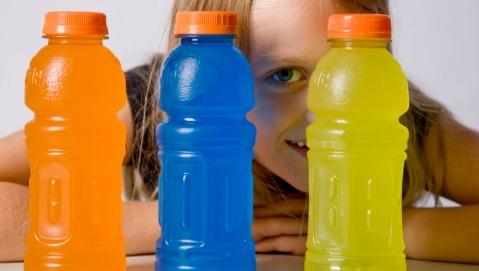 Troppi succhi zuccherati ai bambini