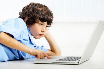 Bambini, come non «ammalarsi» di Internet
