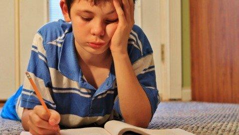 A 8 anni mio figlio non sa scrivere