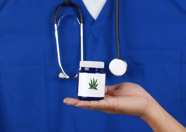 Cannabis in medicina: l'Italia (ma non solo) viaggia a due velocità