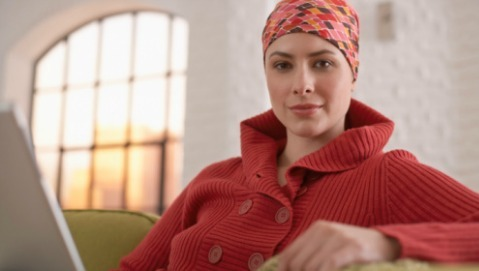 """Dal cancro si guarisce più spesso, ma resta il """"vuoto"""" dell'assistenza"""